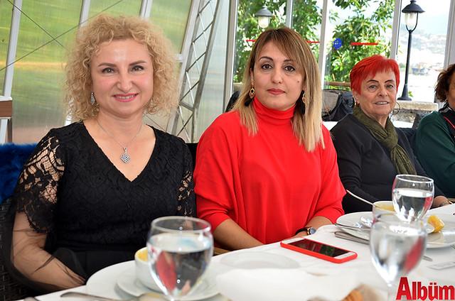 Nilgün Eczanesi sahibi Nilgün Gürbüz, Akgün Eczanesi sahibi Hicran Aşar, Özgün Eczanesi sahibi Selma Öztimur