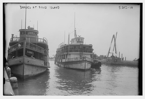 Barges at Ellis Island (LOC)