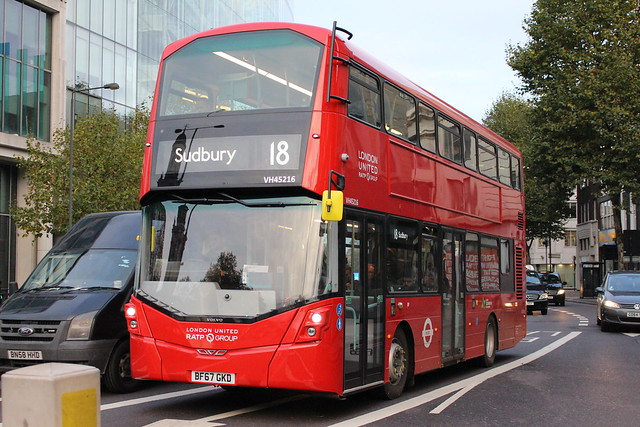 London United VH45216 on Route 18, Great Portland Street
