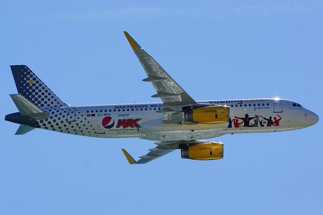 EC-MEQ   A320-232 Vueling Pepsi