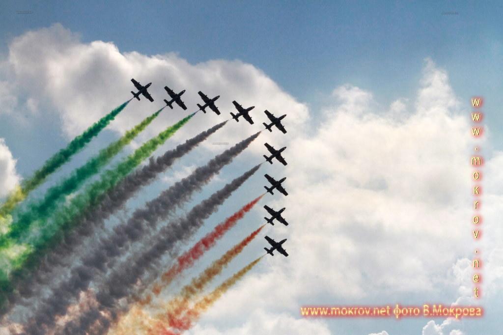 Групповой пилотаж 10х МB-339 ФреччеТриколори, Италия