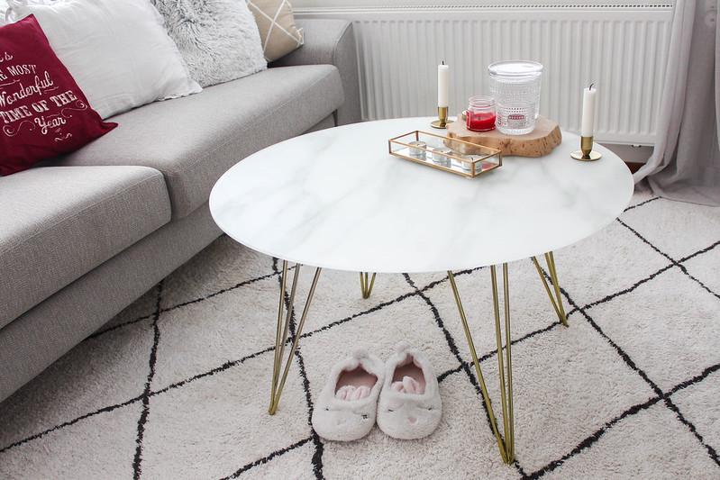 marmorikantinen sohvapöytä_