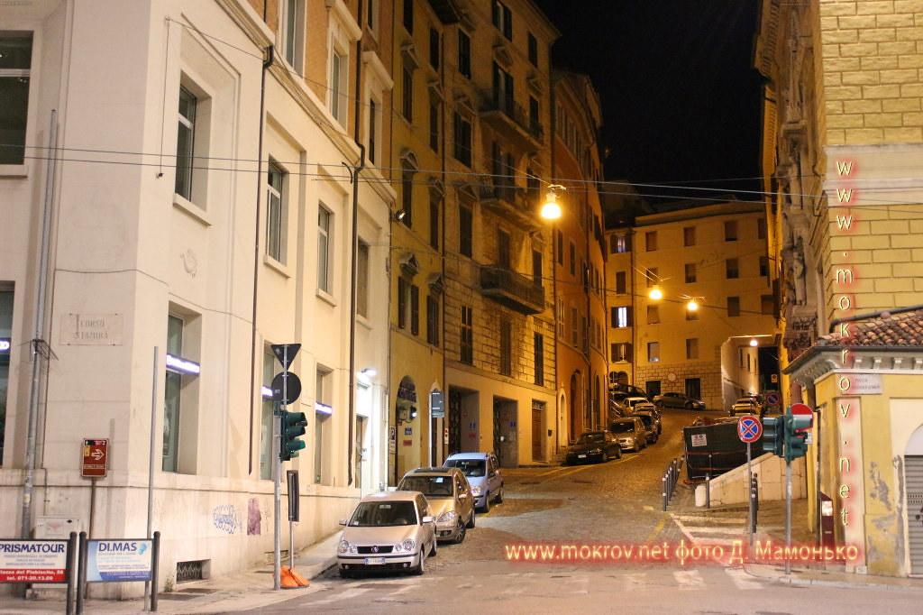 Исторический центр Анкона — город-порт в Италии фото достопримечательностей