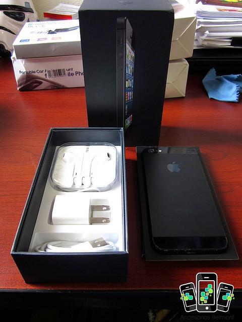 Apple iPhone5 16GB Black, Canon POWERSHOT SD1300 IS