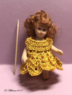 Mekko nuken yllä