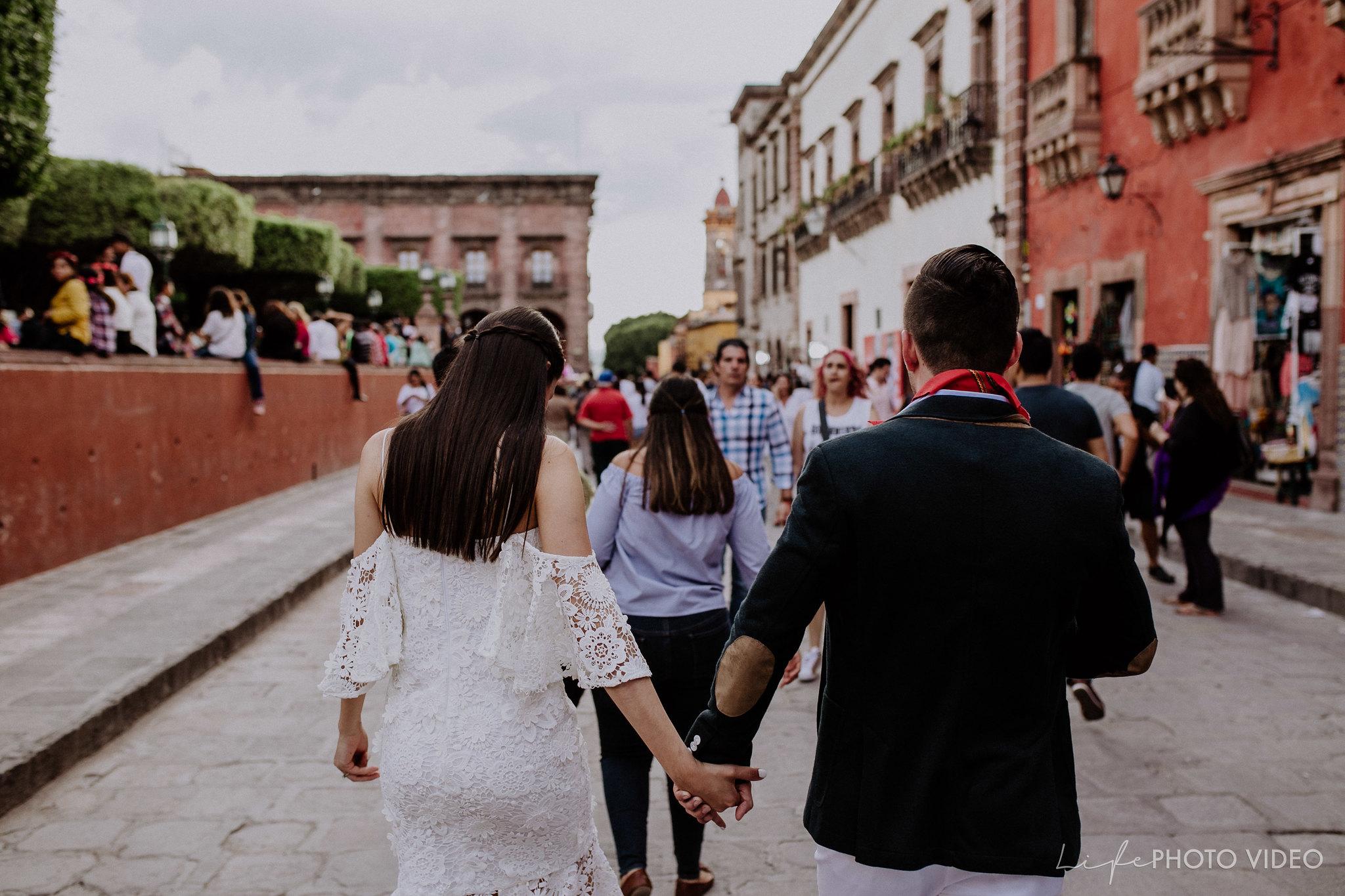 SanMigueldeAllende_Wedding_Callejoneada_Vaquillada_0078