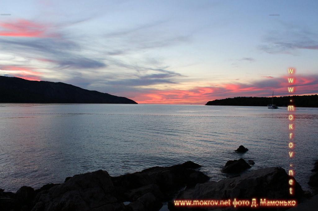 Исторический центр Хвар — остров в Адриатическом море, в южной части Хорватии фотографии