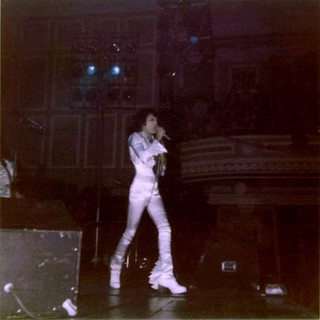 Queen live @ Newcastle - 1975