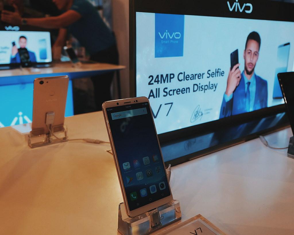 Vivo V7 with Julie Ann San Jose