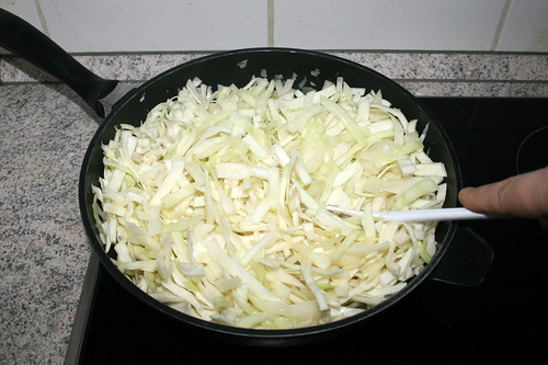 54 - Weißkohl andünsten / Braise white cabbage