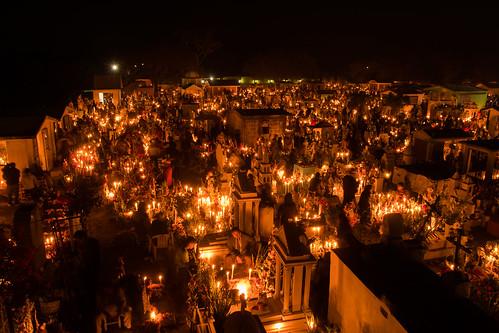 Velada de día de muertos en Xochitlán todos Santos.