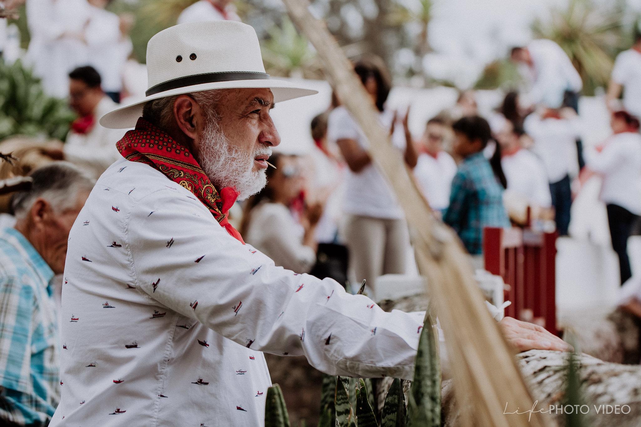 SanMigueldeAllende_Wedding_Callejoneada_Vaquillada_0007