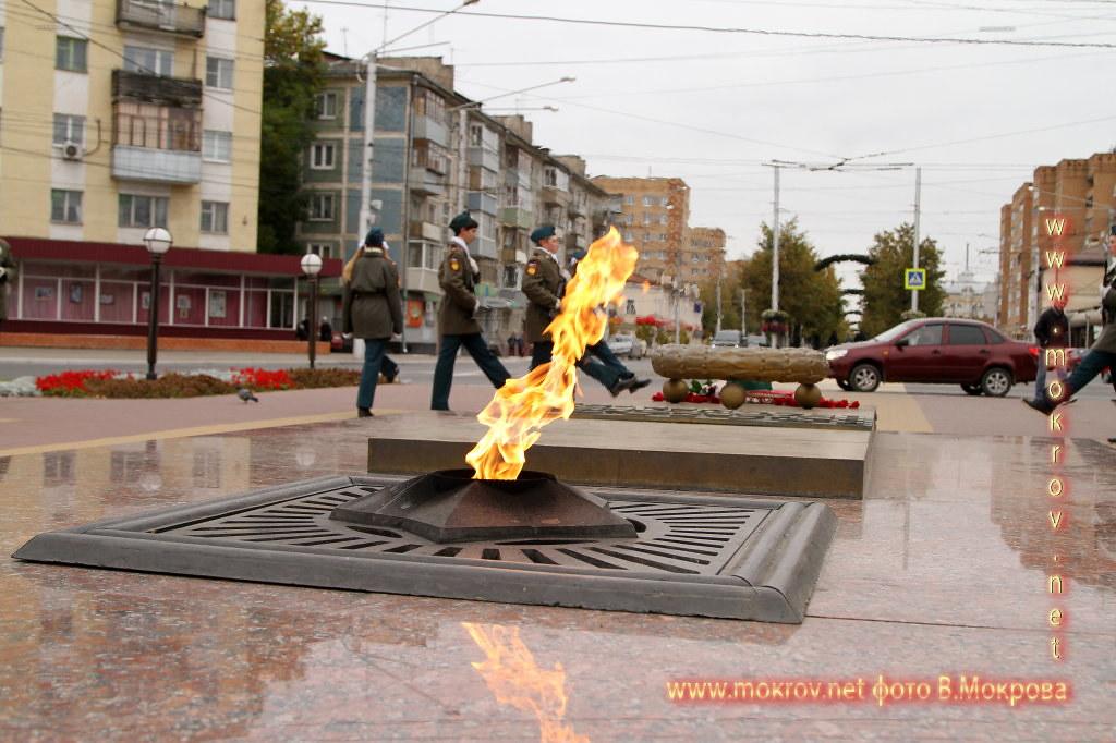 Вечный огонь Славы на площади был зажжен 9 мая 1970 года, город Калуга