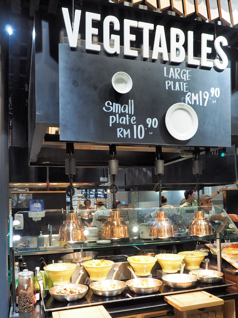 Vegetables section in Marché Mövenpick Pavilion