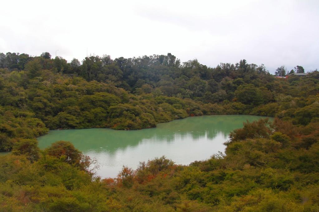 Те Пуйя, часть вторая - вулканы, кратеры, озера, спящие гейзеры