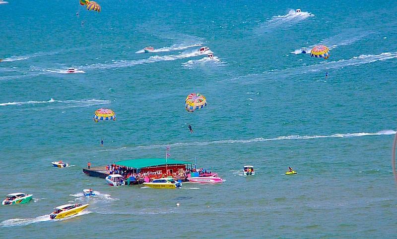 Pattaya Parasailing every day