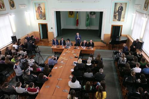 13.11.17 Președintele Parlamentului Andrian Candu în discuție cu profesorii și studenții Universității de Stat Alecu Russo din Bălți