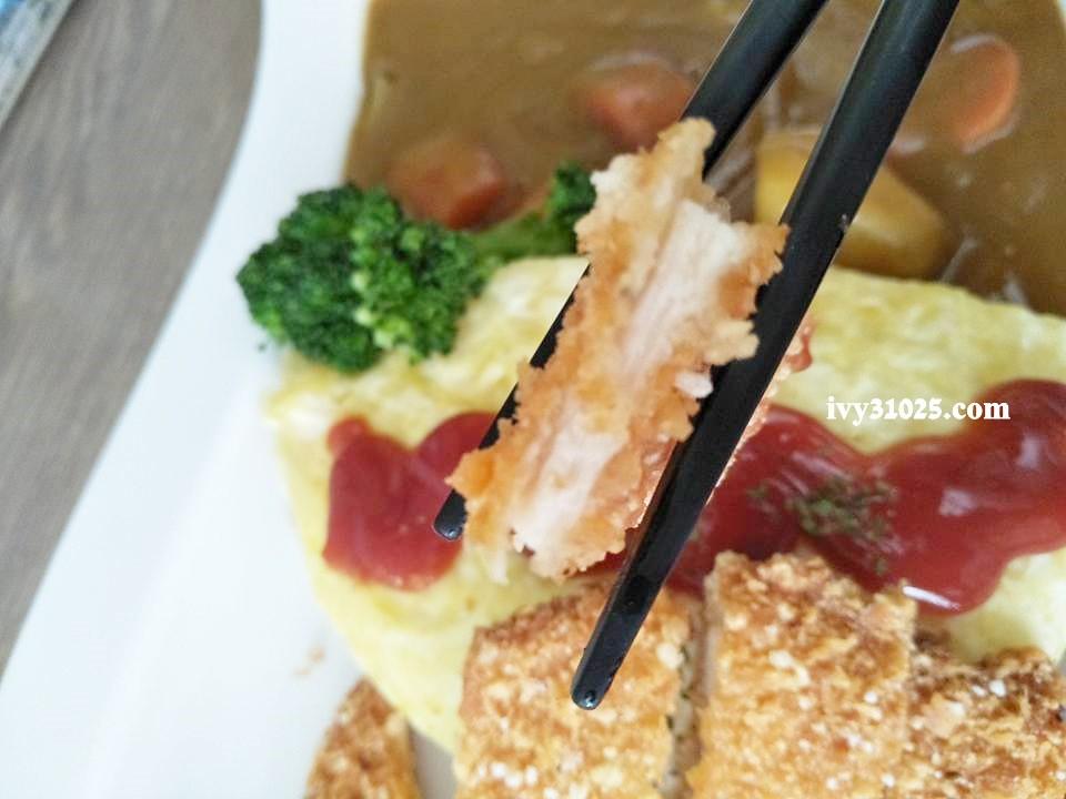 麥圓多日式咖哩蛋包飯 : 上班學生族推薦 / 銅板美食 / 鳳山五甲推薦美食