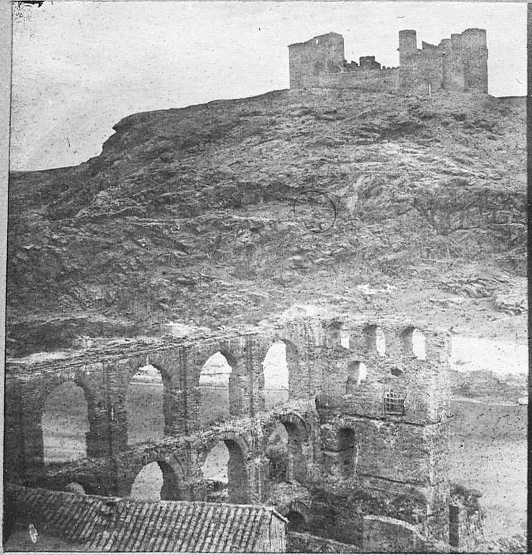 Artificio de Juanelo y Castillo de San Servando. Fotografía de Louis Léon Masson en 1857 © Real Academia de la Historia