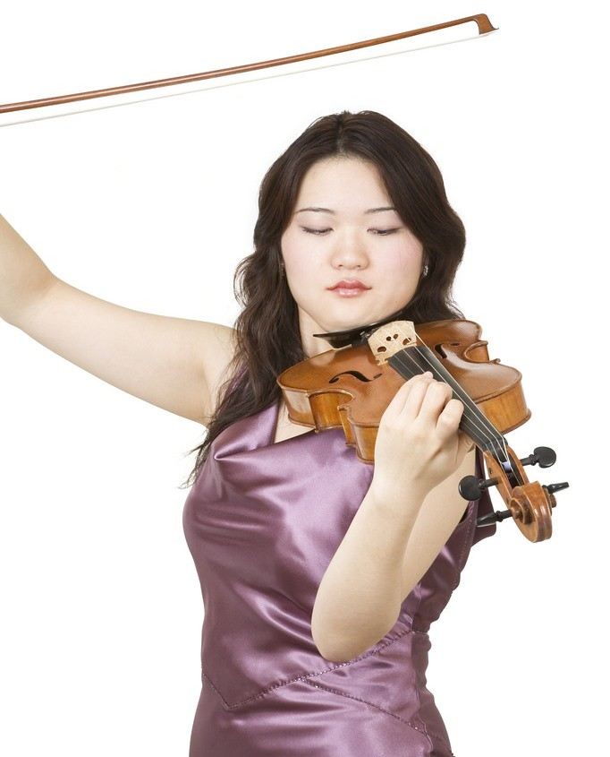 Photo of violinist performing
