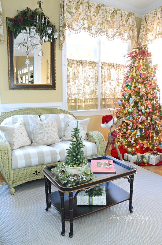 Christmas Sunroom-Housepitality Designs