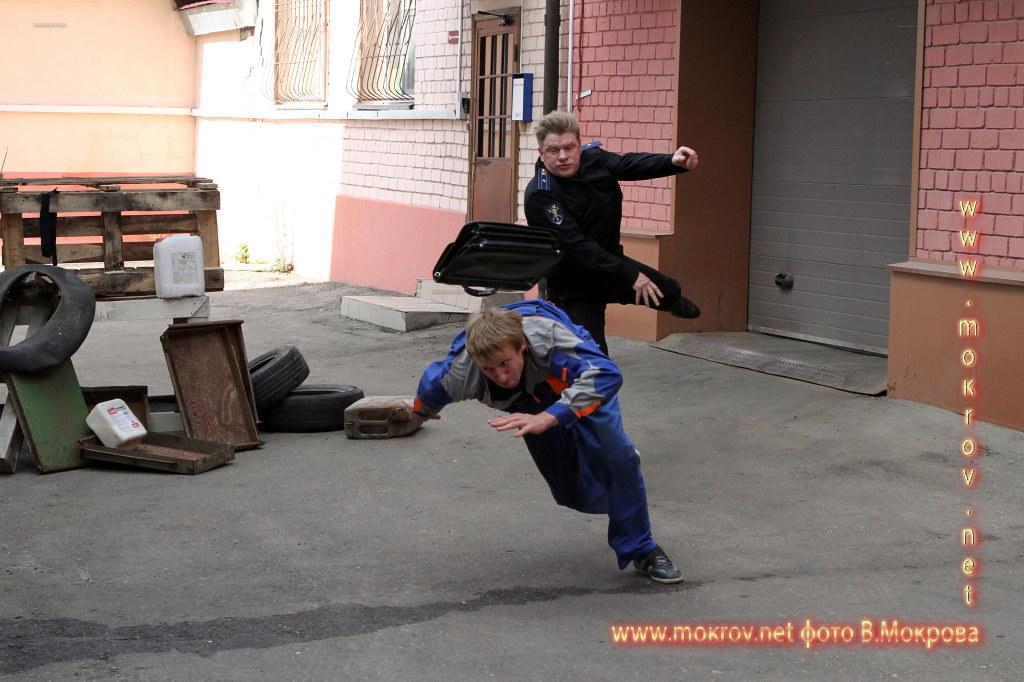 Актеры выкладывают в интернет забавные фотографии со съемочной площадки, коими мы спешим с вами поделиться