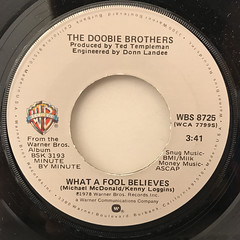 THE DOOBIE BROTHERS:WHAT A FOOL BELIEVES(LABEL SIDE-A)