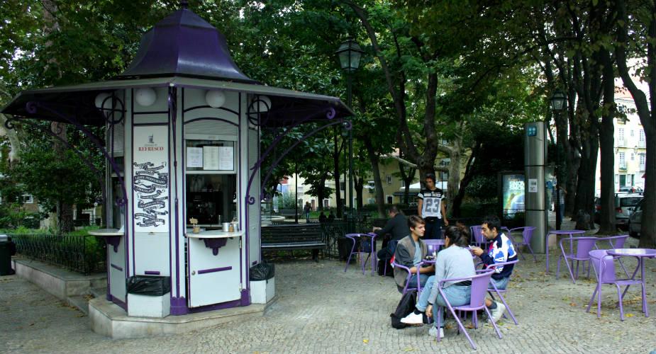 Romantische stedentrip, romantisch Lissabon: Praça das Flores | Mooistestedentrips.nl