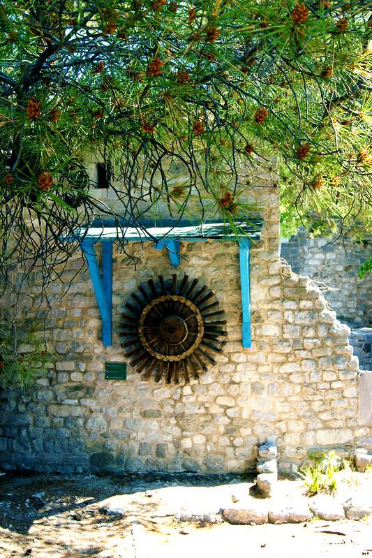 Колесо водяной мельницы