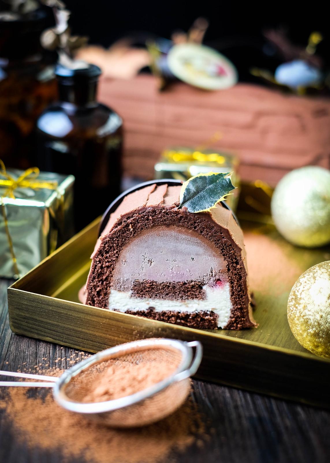 Christmas Log Cakes:  Grand Hyatt Cake