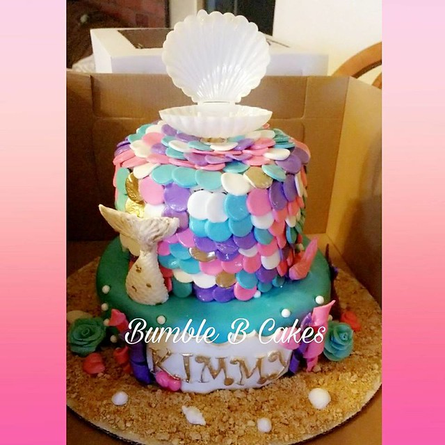 Cake by Bumble B Cakes
