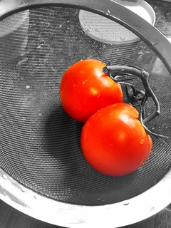 """Life is pleasant. Death is peaceful. It's the transition that's troublesome."" ―Isaac Asimov 🍅🍅"