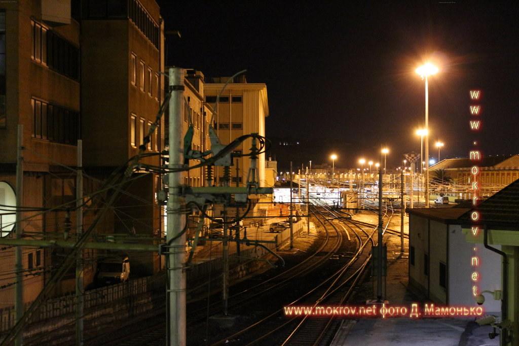Исторический центр Анкона — город-порт в Италии фотографии сделанные как днем, так и вечером