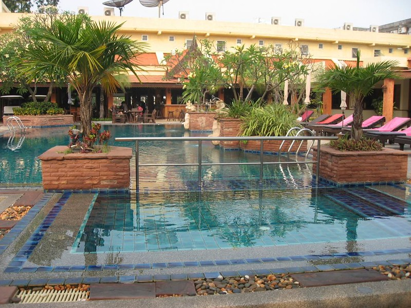 Sabai Resort Pattaya budget hotel