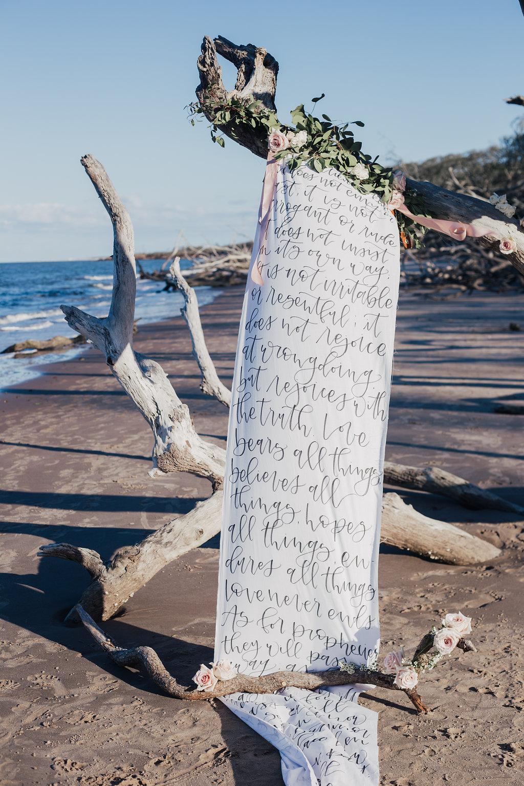Beach Driftwood Wedding Background - Alondra Vega Photography
