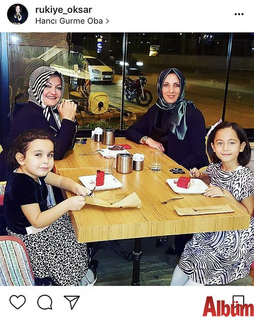 Rukiye Okşar kızı Zeynep, Rukiye Kiriş ve kızı Sevim'le akşam sefası yaptı.