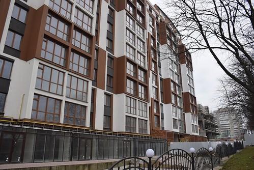 Скандал навколо «Рівненської брами»: чи не залишаться понад 300 родин безгрошей та квартир?