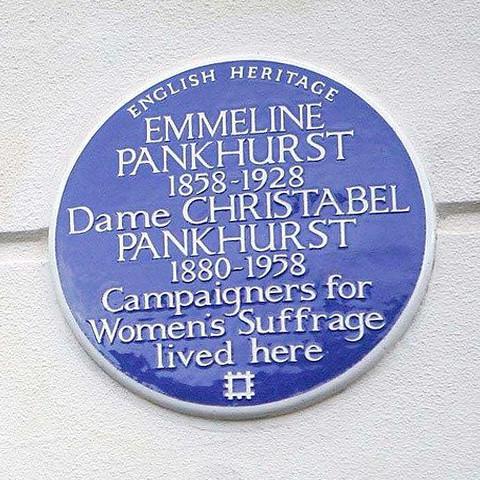 Photo of Emmeline Pankhurst and Christabel Pankhurst blue plaque