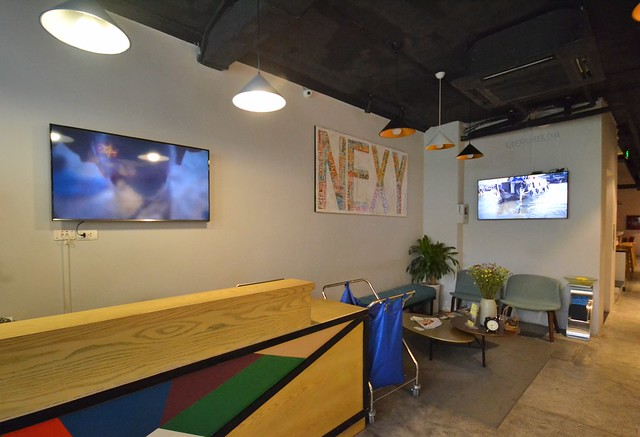nexy hostel hanoi reception and lobby