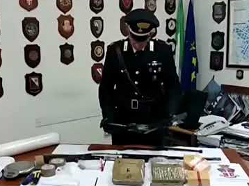 armi e droga donne albanese
