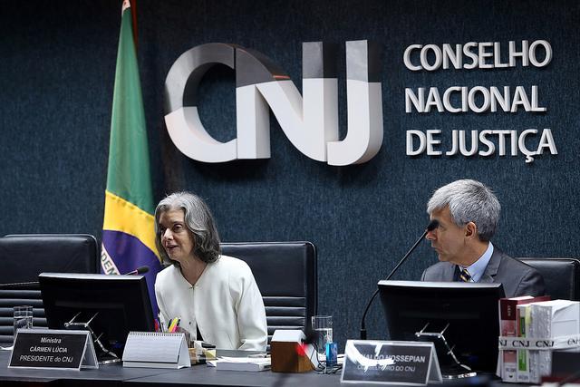 Tribunais estaduais ignoram CNJ, e não divulgam salários de magistrados, CNJ