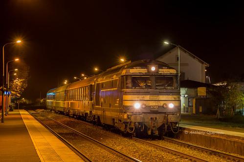 14 novembre 2017 BB 67589 Train 13898 Bordeaux -> La Rochelle St-André-de-Cubzac (33)