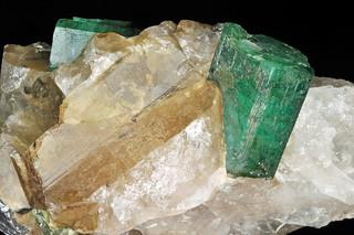 beryl var. emerald, quartz