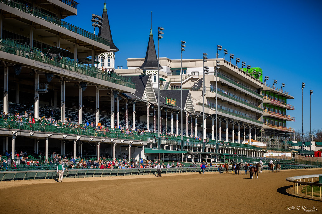 Hotels Near Churchill Downs Racetrack
