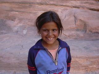 Petra (Wadi Mussa), Beduinenkinder sind manchmal lästige Verkäufer