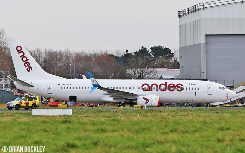 andes b737-8k5 d-ahfz after painting by iac at shannon 17/11/17