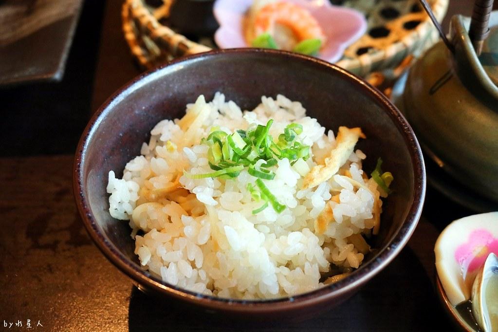 38352027052 446c461a8a b - 熱血採訪|藍屋日本料理和風御膳,暖呼呼單人火鍋套餐,銷魂和牛安格斯牛肉鑄鐵燒