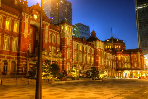 around Tokyo Station in early morning on 19-11-2017 (6)