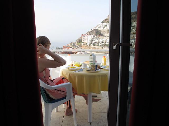 monday, breakfast at our balcony, playa del cura, gran canaria