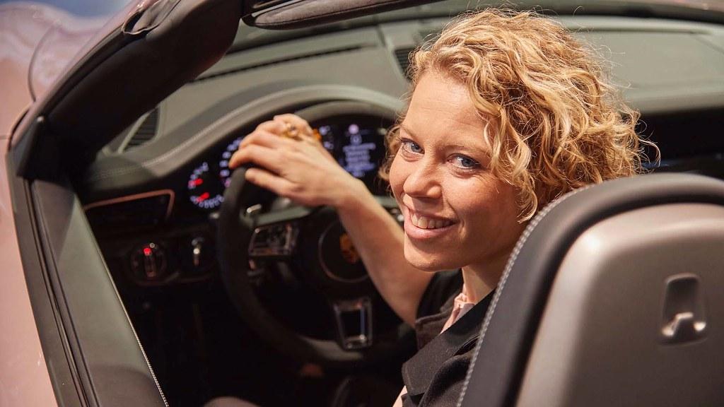 2018-porsche-911-carrera-4-gts-cabrio